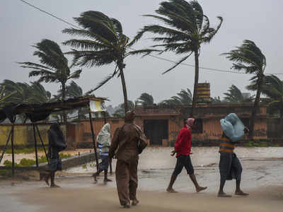 Cyclone Titli claims 7 in AP; hits life in Odisha