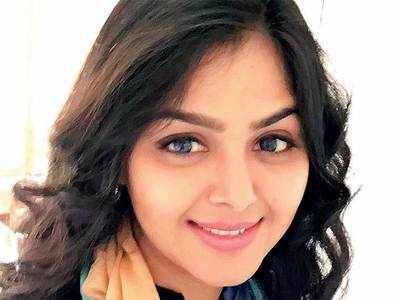 Actress Monal Gajjar's mobile phone stolen