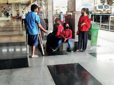 Passengers face screening, while beggars let loose at Pune rly stn