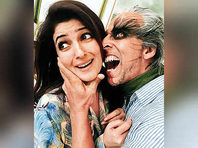 Love gives wings to Akshay Kumar and Twinkle Khanna on their 19th wedding anniversary