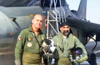 Tejas sortie, a hit with visiting air chiefs