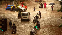 Mumbai: Heavy rains lead to waterlogging