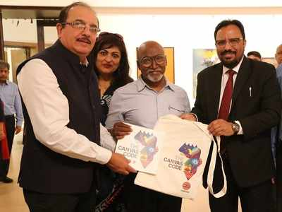 Bose Krishnamachari inaugurates art exhibition in Mumbai