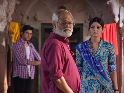 Ekkees Tareekh Shubh Muhurat movie review: Nobody apart from Sanjay Mishra deserves a mention in this small-town drama