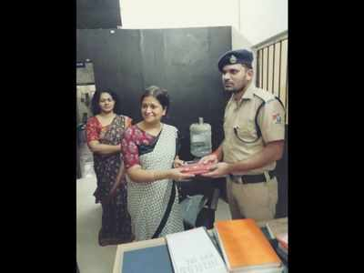 Railway Protection Force recovers lost purse in 30 minutes