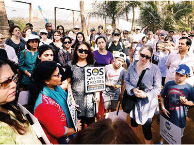 South Mumbai residents protest against coastal road project