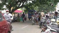 Karnataka: People shut eyes to COVID norms in Shivamogga