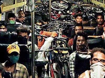 Jalgaon filmmaker helps 22 migrants reach Odisha