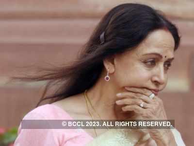 Hema Malini mourns demise of her secretary