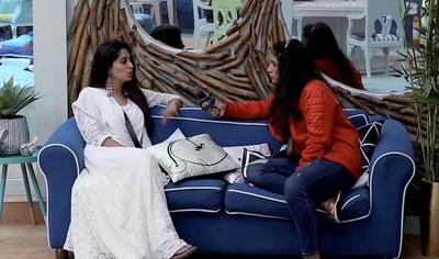 Bigg Boss 12 Day 67: Megha Throws a Shoe at Deepak