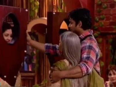 Rashami Desai to Sidharth Shukla's mother: He takes care of me