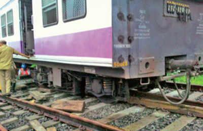 Swank Bombardier derails in Virar yard