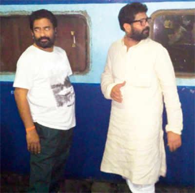 Shiv Sena MP Ravindra Gaikwad gets a doppelganger to avoid selfie-seekers1 min