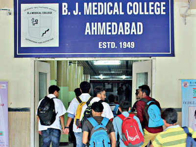 Intern doctors at govt hosps seek stipend hike