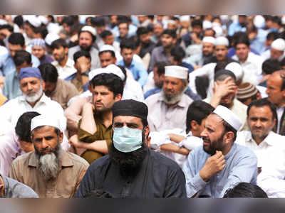 Pak Covid-19 tally crosses 500, Imran Khan refuses lockdown