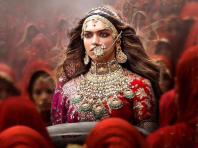 Watch: Sanjay Leela Bhansali shares unseen footage as Padmaavat turns three