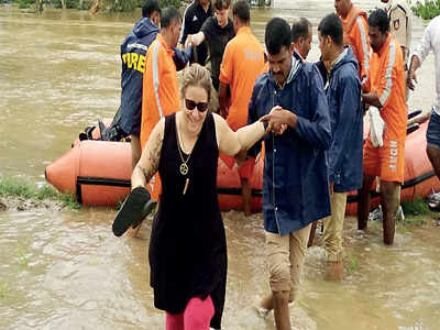 In Hampi, rescue team has a narrow escape