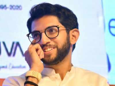 On his birthday, Aaditya Thackeray gives Navi Mumbai man Rs 1 lakh for newborn's heart treatment