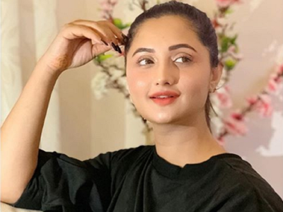 Rashami Desai urges people to unite, support government's decision to ban Chinese apps