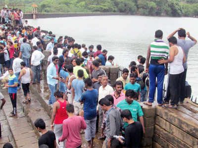 Police taking action against tourists flocking to hotspots