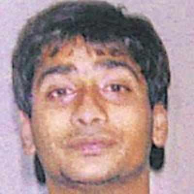 24-yr-old held for harassing Deepak Tijori's daughter