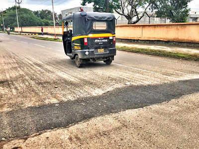 KCB repairs potholes on Range Hills road