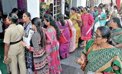 Selling of low-cost silk sarees was no smooth affair at KSIC outlet in Bengaluru
