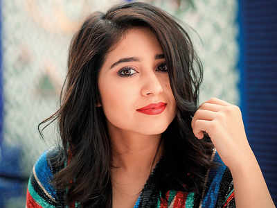 Shweta Tripathi makes her Tamil film debut with Raju Murugan's Mehandi Circus