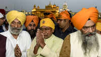 Bihar CM Nitish Kumar visits Golden Temple