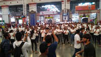 Watch: College students organise flash mob at Mumbai Central Station