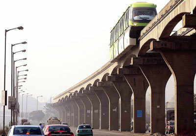 Monorail takes its first ride around town