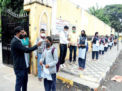 Too soon for offline exams, say parents