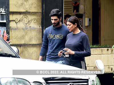 Sushmita Sen goes on a date with boyfriend Rohman Shawl