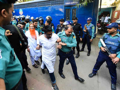 Bangladesh sentences 7 militants to death in cafe attack