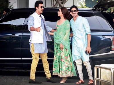 Spotted: Alia Bhatt, Ranbir Kapoor, Ayan Mukerji at Mumbai airport