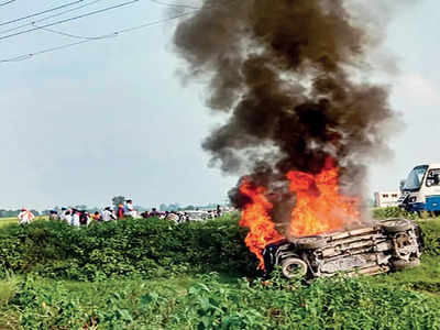 8 dead as farmers' protest turns violent