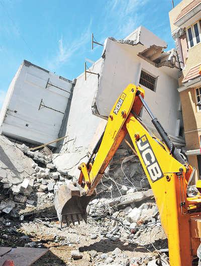 Nail violators, oust shaky building plans, BBMP urged