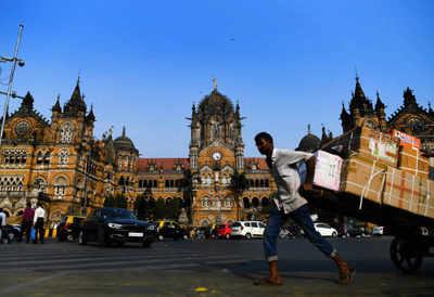 Mumbai News LIVE: City reports 987 new coronavirus cases