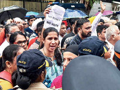 PMC Bank depositors protest outside RBI headquarters