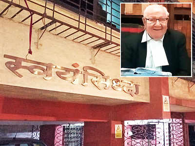 94-yr-old ex-judge loses ₹77k as he naps at home