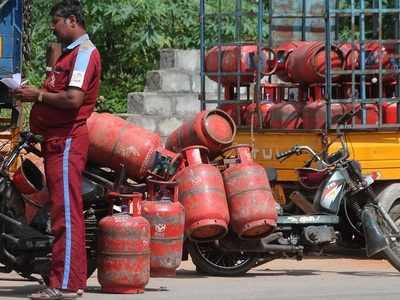 LPG gas pilfering racket busted by Crime branch, 8 held from Walkeshwar