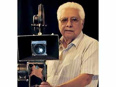 Basu Chatterjee passes away: Politicians, Bollywood celebrities condole the death of the legendary filmmaker