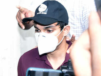 Sushant's house manager paid for drugs: Showik