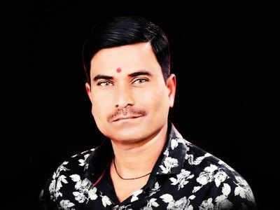 Sans helmet, man crushed by tempo in Jadhavwadi