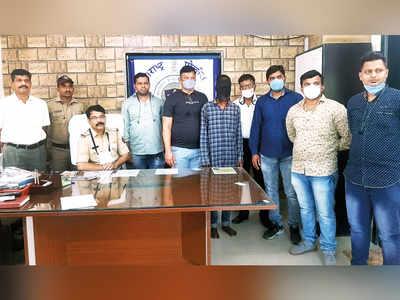 Railway police nab handbag thief within hours of theft