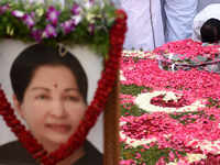 Jayalalithaa death probe: Submit CCTV camera footage within a week- Panel asks Apollo Hospital