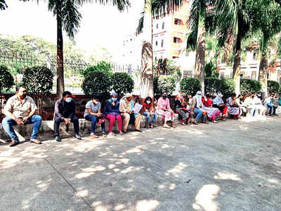 Chaos at Akurdi instt as admin calls cops on parents over fees protest