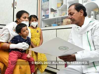 Telangana CM hands over government aid to martyred Colonel Santosh's family