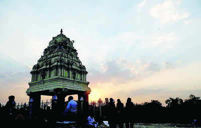 Three Kempe Gowdas and four iconic towers
