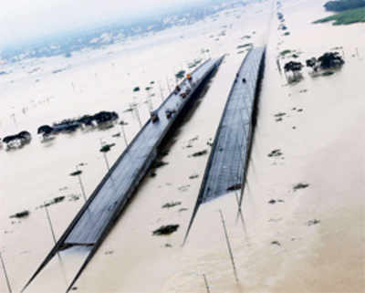 Chennai struggles to stay afloat